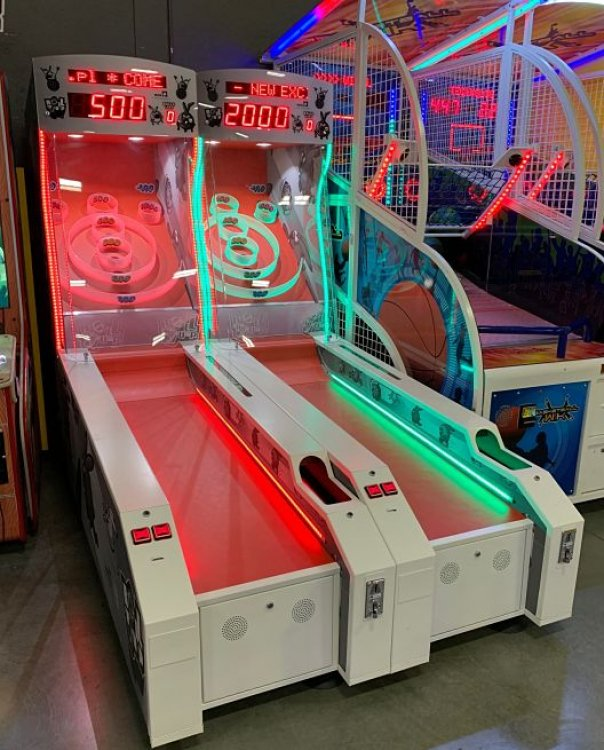 Skeeball Arcade - Per Lane - Black/White Graphics